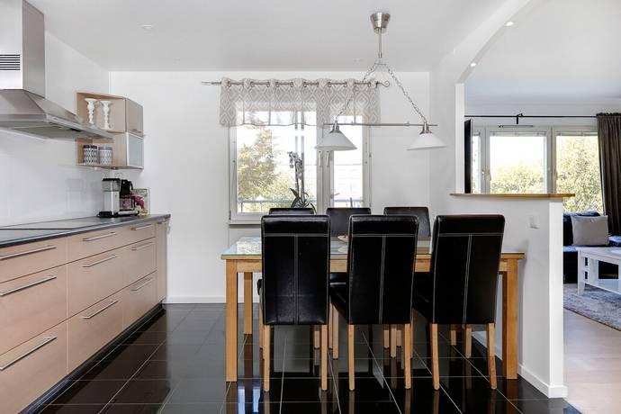 Bild: 3 rum bostadsrätt på Axel Danielssons väg 21, Malmö kommun Almvik