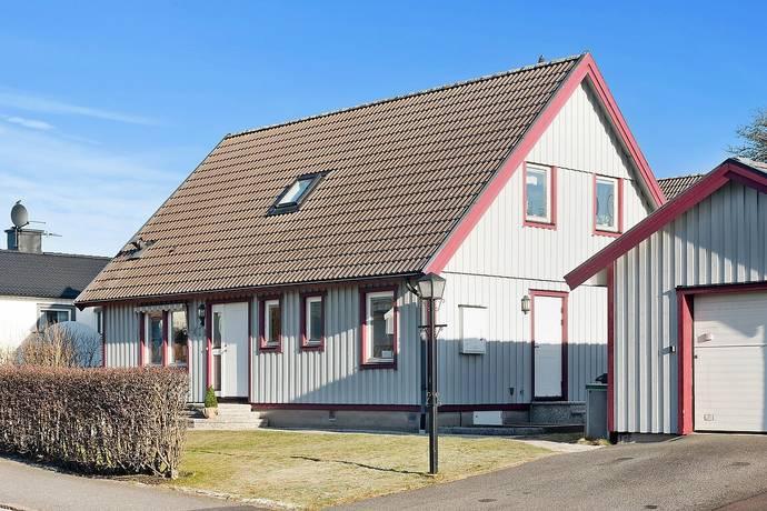 Bild: 6 rum villa på Norra Sälöfjordsgatan 41B, Göteborgs kommun Lundby