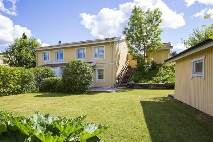 Bild: 4 rum radhus på Krusbärsvägen 1, Upplands Väsby kommun Bollstanäs