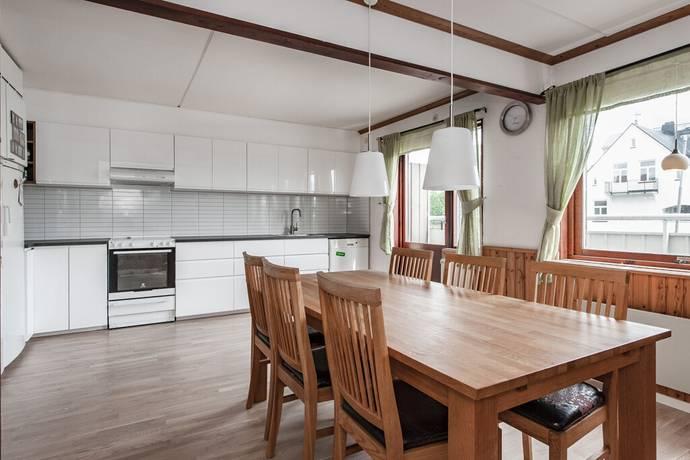 Bild: 5 rum radhus på Byggmästarvägen 18, Upplands-Bro kommun Gamla Bro