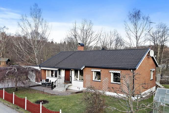 Bild: 7 rum villa på Backsippevägen 6, Lerums kommun Floda - Hästhagen