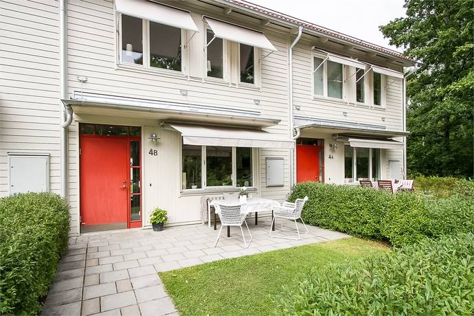 Bild: 4 rum radhus på Hindergårdsgatan 4 B, Örebro kommun Rynningeåsen