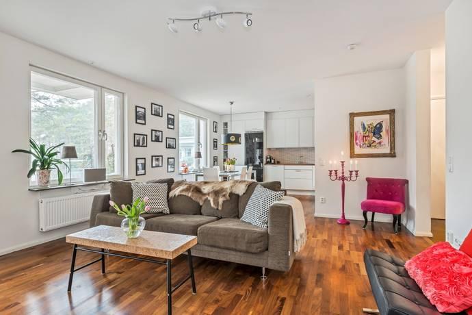 Bild: 3 rum bostadsrätt på Flygvilleslingan 23, Täby kommun Hägernäs Strand