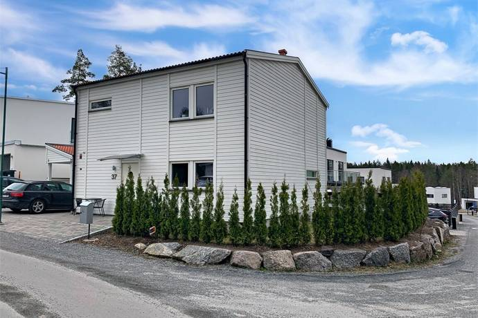 Bild: 5 rum villa på Rävstensvägen 37, Österåkers kommun Björkhaga