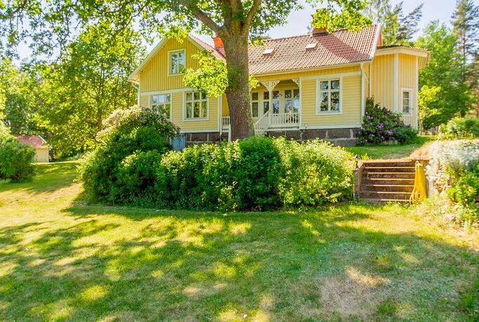 Bild: 7 rum villa på Eriksberg 1, Hultsfreds kommun Vena