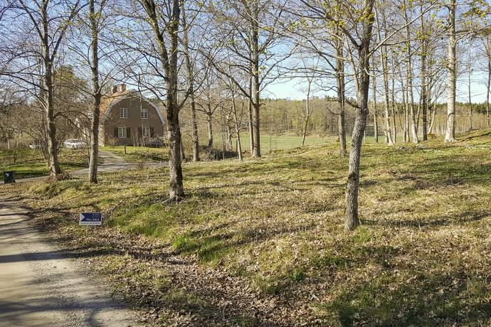 Bild: tomt på Östanåvägen 11, Österåkers kommun Östanå
