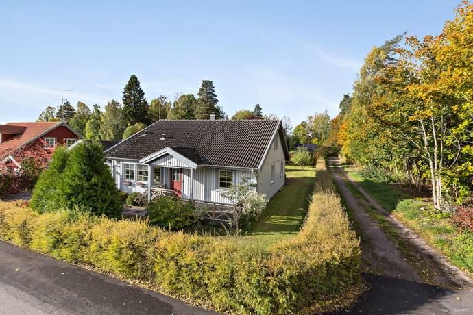 Bild: 7 rum villa på Hagavägen 4A, Örebro kommun Glanshammar