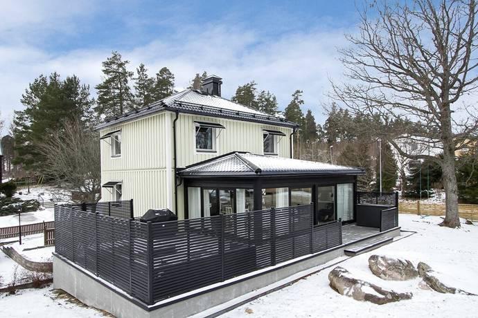 Bild: 5 rum villa på Smedvägen 15, Karlskoga kommun Stackfallet