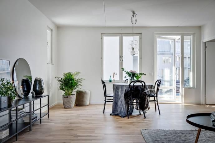 Bild: 3 rum bostadsrätt på Rönninge Torg 13, Salems kommun Rönninge