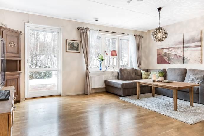 Bild: 3 rum radhus på Lillies väg 128, Sollentuna kommun Viby