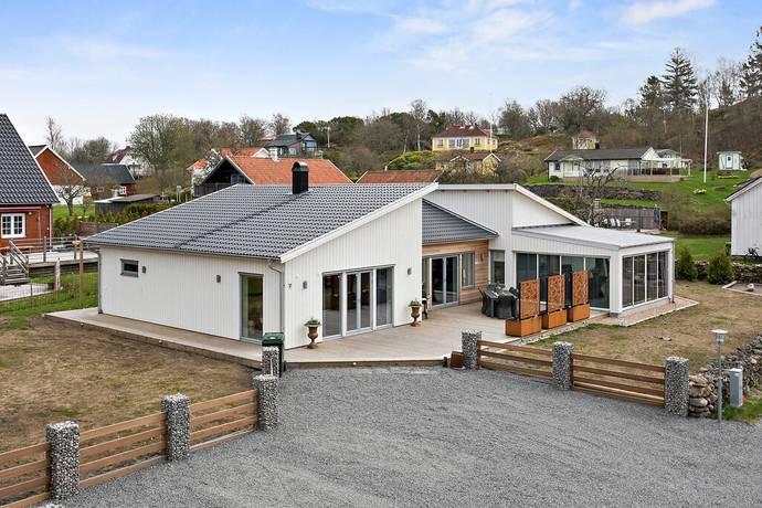 Bild: 6 rum villa på Krokavägen 7B, Varbergs kommun Kärradal