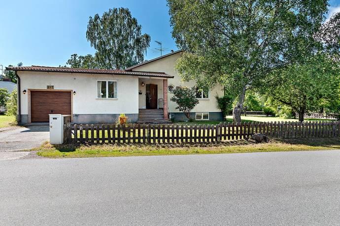 Bild: 5 rum villa på Vasavägen 217, Sollentuna kommun Rotebro