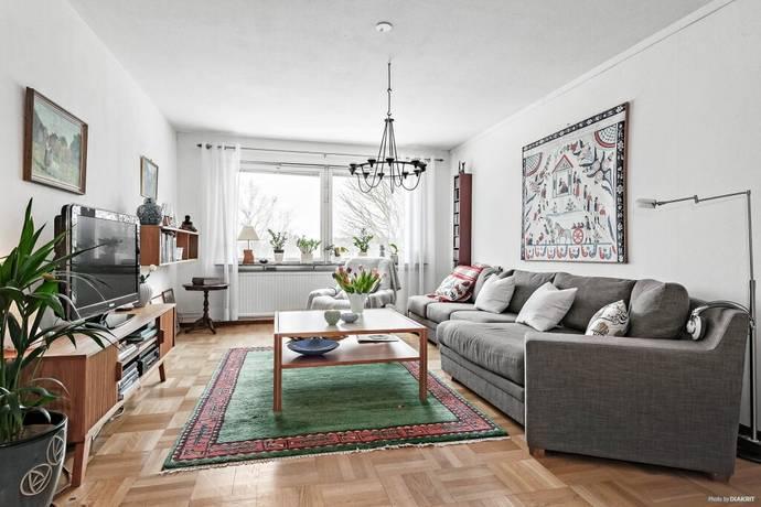 Bild: 4 rum bostadsrätt på Svinningegränd 9, Stockholms kommun Spånga-Kyrka