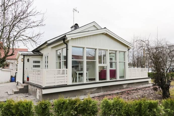 Bild: 5 rum villa på Stugvägen 6, Örebro kommun Örnsro