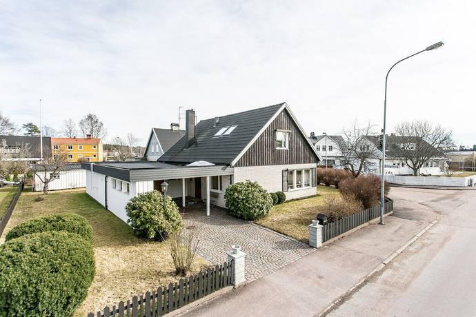 Bild: 7 rum villa på Ringgatan 92, Karlstads kommun Råtorp