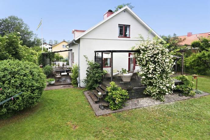 Bild: 8 rum villa på Blomstervägen 21, Mariestads kommun Mariestad
