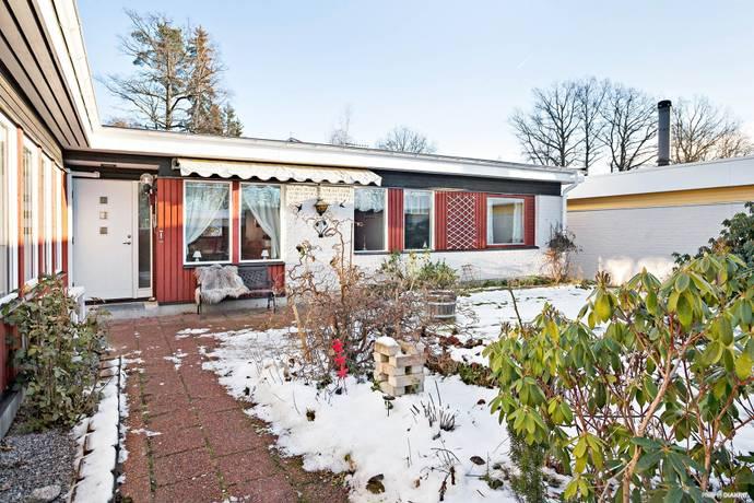 Bild: 5 rum villa på Mörbylundsvägen 5, Vallentuna kommun