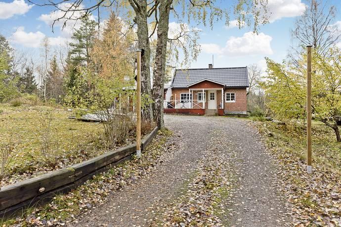 Bild: 4 rum villa på Fredriksberg 228, Knivsta kommun KNIVSTA