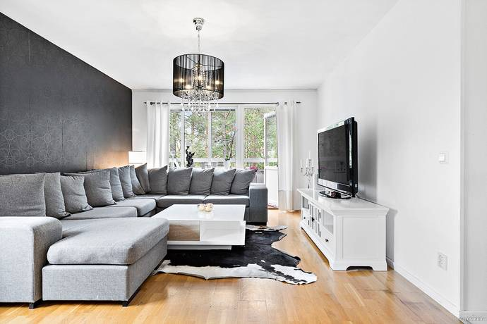 Bild: 4 rum bostadsrätt på Smålandsvägen 12, Uppsala kommun Sävja