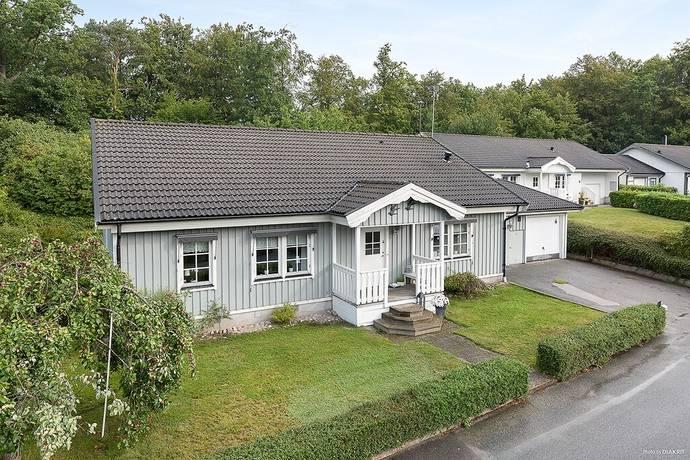 Bild: 6 rum villa på Fänkålsgatan 1C, Karlskrona kommun Hässlegården