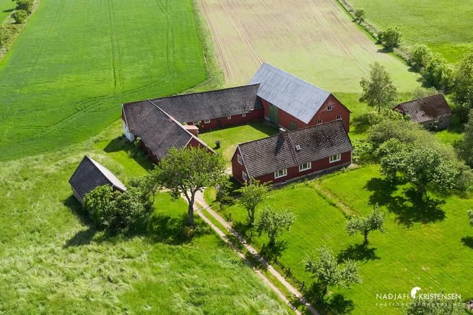 Bild: 5 rum gård/skog på Södra Karstorps Byaväg 37, Båstads kommun Förslöv