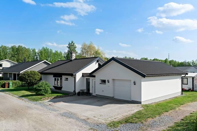 Bild: 4 rum villa på Flöjtvägen 7, Västerås kommun Lycksta