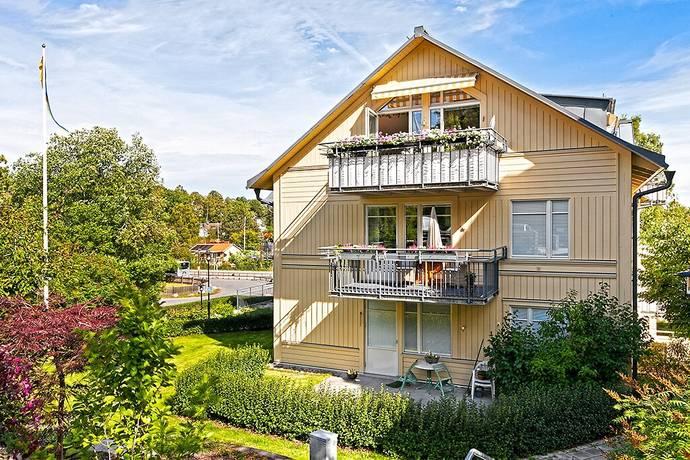 Bild: 3 rum bostadsrätt på Strandvägen 2 A, Österåkers kommun