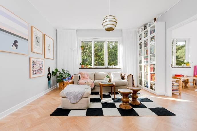 Bild: 3 rum bostadsrätt på Petrejusvägen 26, Stockholms kommun Hammarbyhöjden
