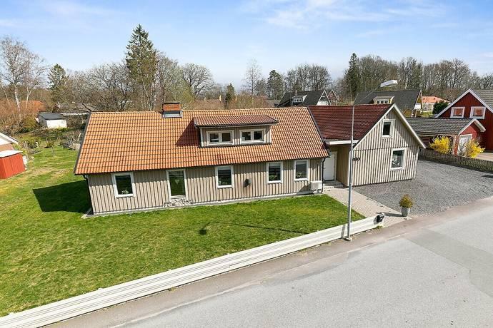 Bild: 8 rum villa på Hörneledsvägen 9, Osby kommun Osby