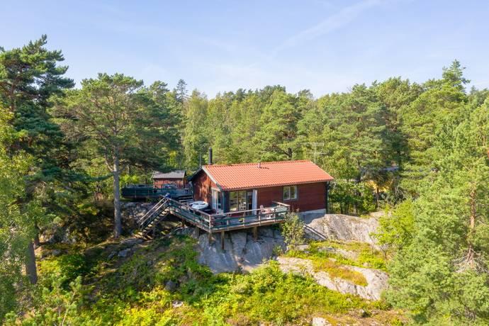 Bild: 3 rum fritidshus på Linåkersvägen 1, Österåkers kommun Ljusterö-Kårnäs