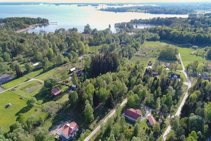 Bild: tomt på Stenblocksvägen 11, Örebro kommun Stora Hasstorp