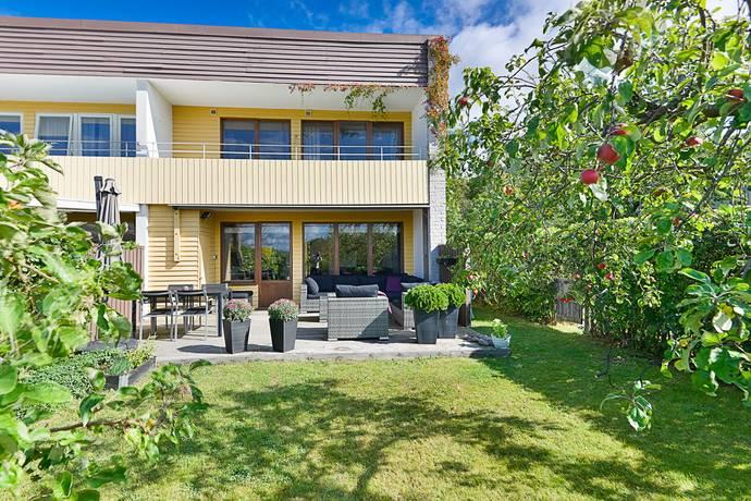 Bild: 5 rum radhus på Målarvägen 36, Upplands-Bro kommun Bro - Gamla Bro