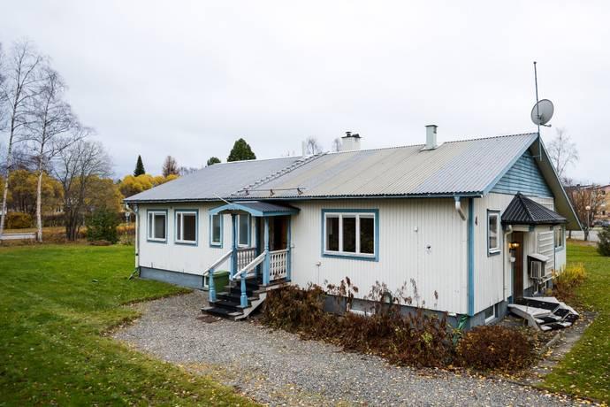 Bild: 6 rum villa på Västra Egnahemsgatan  4, Strömsunds kommun Strömsund