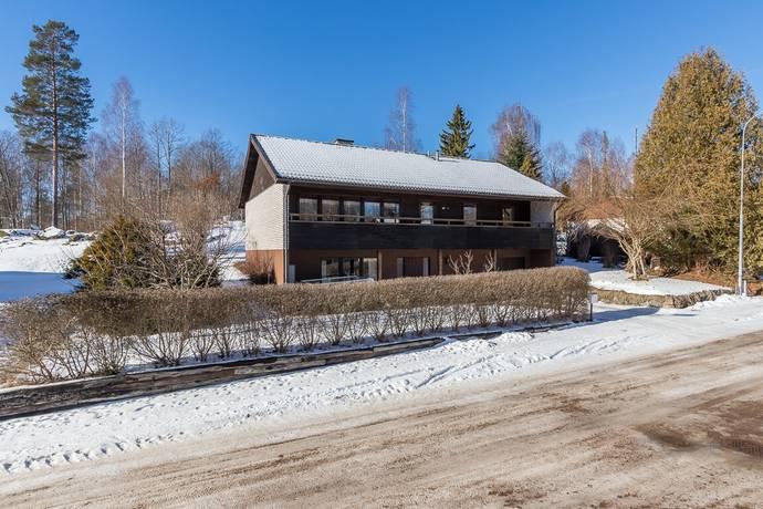 Bild: 6 rum villa på Lyckebyvägen 5, Hultsfreds kommun Virserum