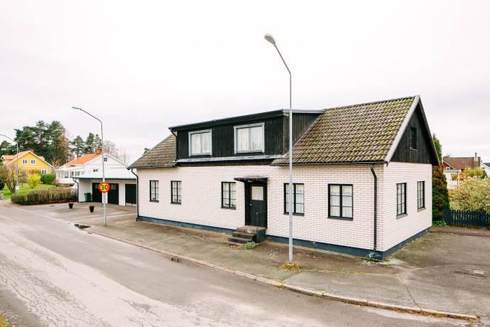 Bild: 2 rum villa på Halnavägen 54, Töreboda kommun Kilenområdet