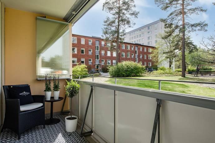 Bild: 4 rum bostadsrätt på Mörbyhöjden 3, Entréplan, Danderyds kommun