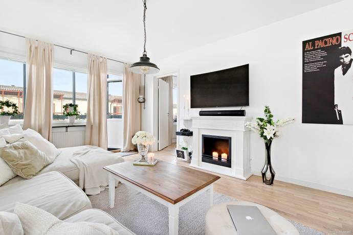Bild: 4 rum bostadsrätt på Skogstorpsvägen 334, Sollentuna kommun Tegelhagen