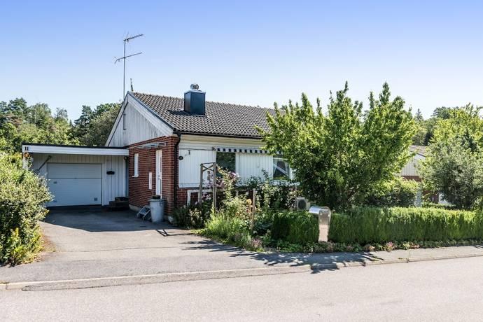 Bild: 6 rum villa på Ljungbackenvägen 11, Lerums kommun Lerum - Södra