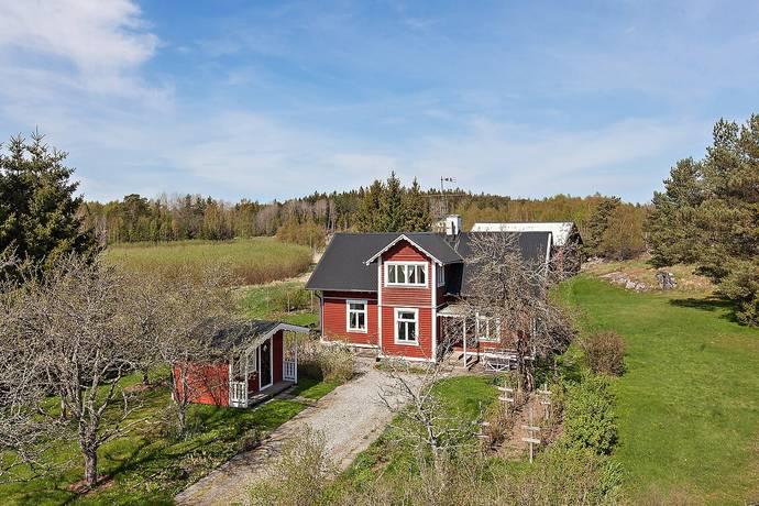 Bild: 4 rum villa på Skarlunda gård 1, Södertälje kommun