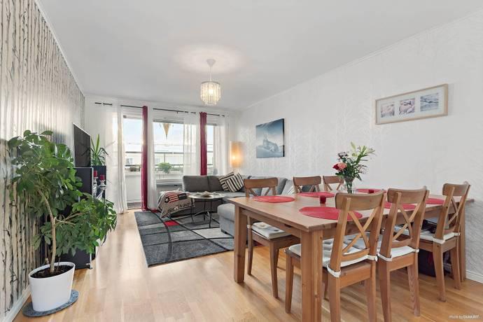 Bild: 3 rum bostadsrätt på Månadsvägen 73, 3 tr., Järfälla kommun Jakobsberg