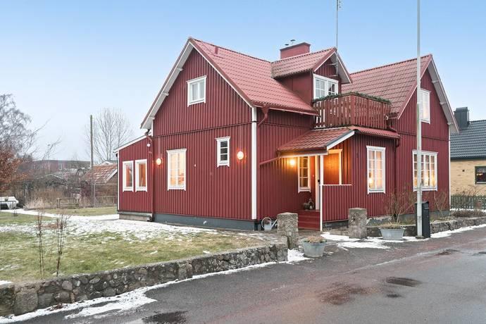 Bild: 5 rum villa på Hubertusvägen 15, Kristianstads kommun Helgedal