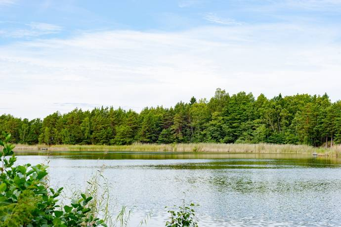 Bild: tomt på Östra Femsund 19, Österåkers kommun