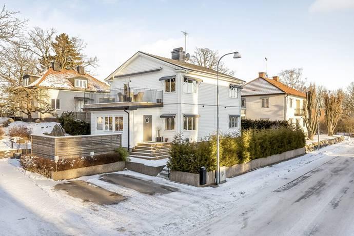 Bild: 6 rum villa på Sankta Ursulas väg 38, Västerås kommun Blåsbo Västerås