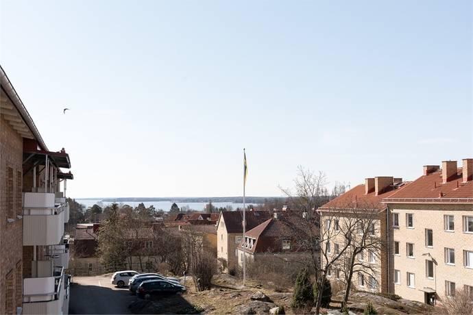 Bild: 2 rum bostadsrätt på ÅSGATAN 4C, Västerås kommun Jakobsberg/Lustigkulla