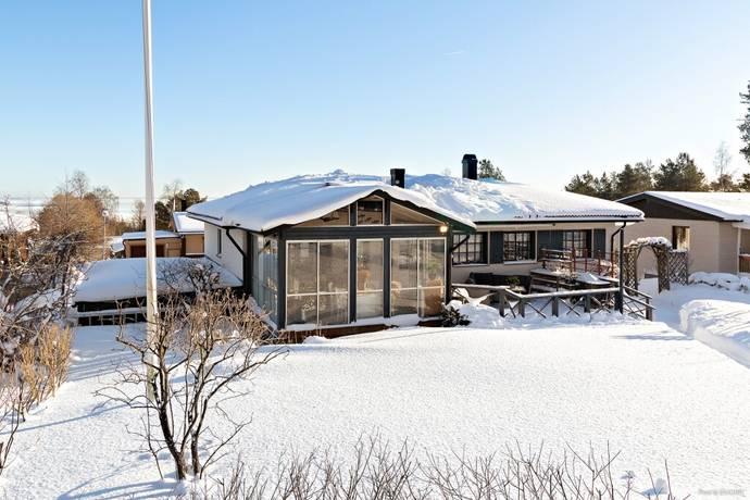 Bild: 8 rum villa på Linjevägen 25, Sundsvalls kommun Övre Bredsand