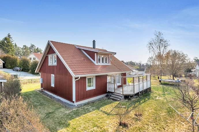 Bild: 7 rum villa på Lilla Västanbergsvägen 5, Österåkers kommun Dyvik