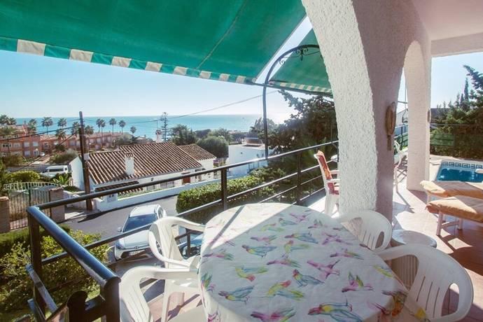 Bild: 4 rum villa på Fin villa med 3 sovrum i Estepona - Privat pool och trädgård!, Spanien Estepona