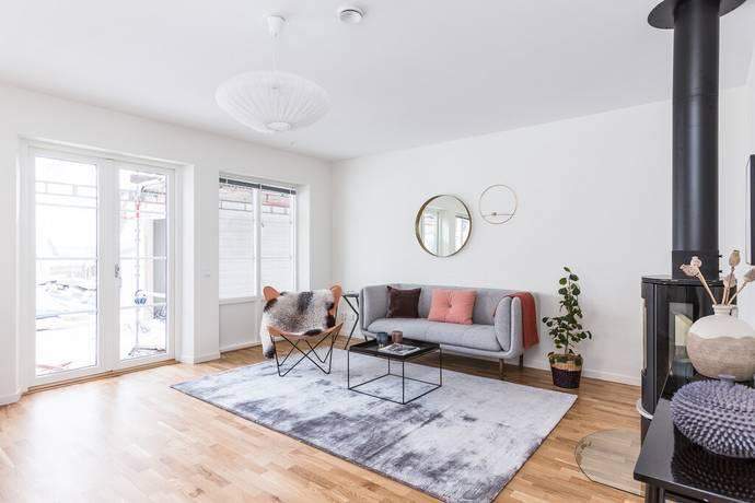 Bild: 4 rum radhus på Ekhagagatan 66, Linköpings kommun Duvkullen