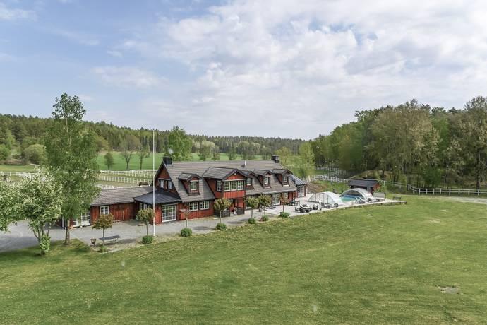 Bild: 10 rum gård/skog på Bergåsa gård, Södertälje kommun