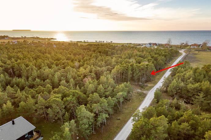 Bild: tomt på Sanda Fyrbåksvägen 10, Gotlands kommun Västergarn